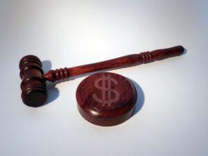 原告の対義語は?原告と被告の違いを分かりやすく解説!