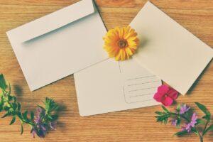 封筒に在中と書く場合はどんな時?